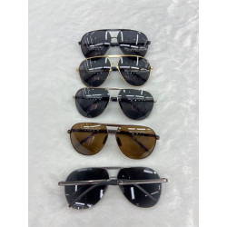 Polarized sun-glasses
